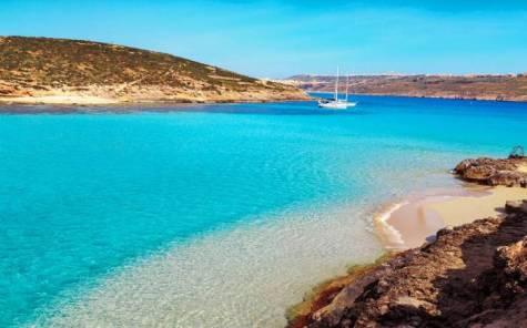 il_blue_lagoon_sullisola_di_comino_malta_gozo_thinkstockphotos